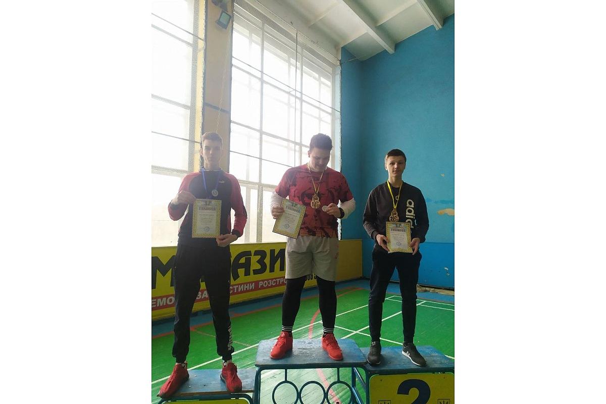 Юні майстри гирьового спорту із Кропивницького успішно виступили на відкритому турнірі у Жовтих Водах